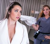 Sovereign Syre, Lola Foxx - In-Room Rubdown 17