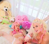 Jayda Diamonde, Katie Angel - Lil Gaping Lesbians #03 13