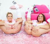 Gabriella Paltrova, Zoey Monroe - Lil' Gaping Lesbians #06 15