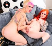 Jessie Lee, Misti Dawn - Punk Rock Makeover! 14