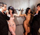 Skin Diamond, Kelly Chaos - Slave Den Orgy 3