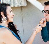 Vada - Cool Kids Smoke Cigarettes! 3