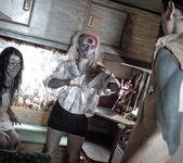 Brittany Lynn, Jessie Lee - Daryl Dixon Dicks 'Em 2