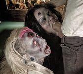 Brittany Lynn, Jessie Lee - Daryl Dixon Dicks 'Em 4
