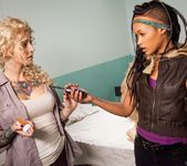 Skin Diamond, Kleio Valentien - I Hate Zombie Dick! 3