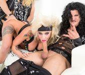 Vyxen Steel, Axel Aces - Hot Tub Whore Machine 6