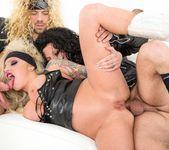 Vyxen Steel, Axel Aces - Hot Tub Whore Machine 10
