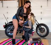 Farrah Paws, Alison Tyler - Biker Boobs 2