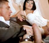Tina Gabriel, Dillon A - A Leg Fantasy 9