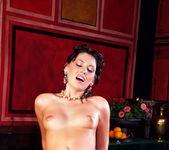Milla Pussinova, George Uhl - Roma #02 11
