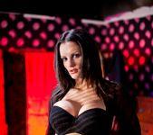 Valentina Cruz, Kai Taylor - Chic Sex 3