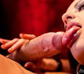 Valentina Cruz, Kai Taylor - Chic Sex 7