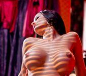 Valentina Cruz, Kai Taylor - Chic Sex 15