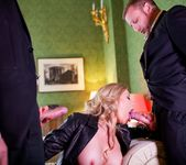 Holly Kiss - MILF - A Darker Side 5
