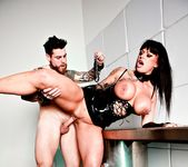Kerry Louise, Dean Van Damme - The Art of Control 11