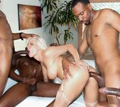 Holly Heart, Isiah Maxwell - Blacked Out #03 7