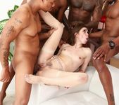 Riley Reid, Isiah Maxwell - Blacked Out #05 4