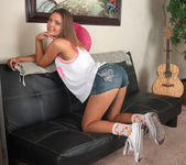 Shyla Ryder is not shy about pulling her lips apart 2