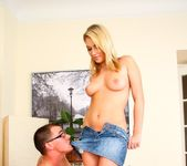 Nikki Sands - Tug Joint Vol 03 11