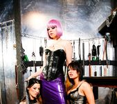 Erika Heaven, Mistress V, Amy Lee - Lesbian Fetish School 6