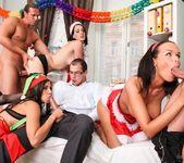 Linet Slag, Angie Emerald, Rachel Evans - X-Mas Orgy 5