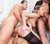Samantha Jolie, George Black - 4 On 1 Gang Bangs 14