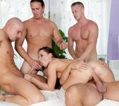 Wendy Moon, Pavel Matous - 4 On 1 Gang Bangs #04 7