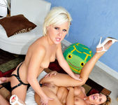 Phyllisha Anne, Kelly Surfer - The Mommy X-Perience #03 13