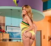 Isis Taylor - Phat Bottom All Stars 2