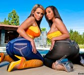 Nikki Sexx, Kelly Divine - Phat Bottom All Stars 12