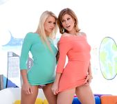 Brooklyn Lee, Anikka Albrite - The Spit and The Speculum #02 2
