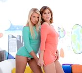 Brooklyn Lee, Anikka Albrite - The Spit and The Speculum #02 3