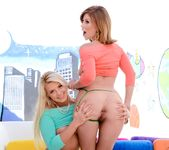 Brooklyn Lee, Anikka Albrite - The Spit and The Speculum #02 9