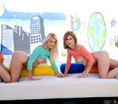 Brooklyn Lee, Anikka Albrite - The Spit and The Speculum #02 13