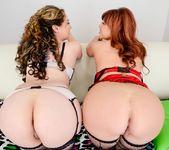 Kiki Daire, Britney Stevens - Anal Threesomes 14