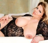 Silvie Wild - Big And Real #06 3