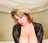 Silvie Wild - Big And Real #06 9