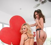 Alexis Texas, Tori Black - Evil Angels - Alexis Texas 28
