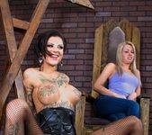 Bonnie Rotten, Zoey Monroe - Facesitting Tales #02 13