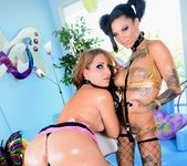 Bonnie Rotten, Savannah Fox - Studio A 5