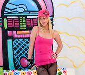 Tara Lynn Foxx - Anal Supersluts #02 2