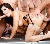 Francesca Le - LeWood Gangbang: Battle Of The MILFs 7
