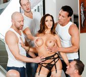 Francesca Le - LeWood Gangbang: Battle Of The MILFs 29
