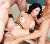 Veronica Avluv - LeWood Gangbang: Battle Of The MILFs 5