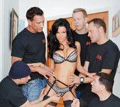 Veronica Avluv - LeWood Gangbang: Battle Of The MILFs 26