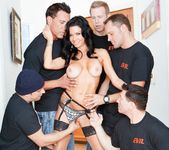 Veronica Avluv - LeWood Gangbang: Battle Of The MILFs 27