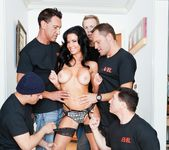 Veronica Avluv - LeWood Gangbang: Battle Of The MILFs 28