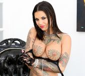 Bonnie Rotten - Hollywood Xposed 3