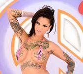 Juelz Ventura, Bonnie Rotten - Anal Avenue Sluts 2