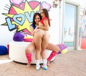 Amara Romani, Holly Hendrix - True Anal 6